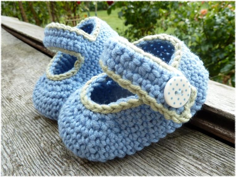 Babyschühchen in blau 2