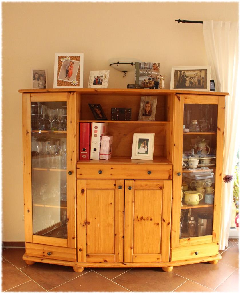 ein schrank wird weiss die vorher nachher show undiversell. Black Bedroom Furniture Sets. Home Design Ideas