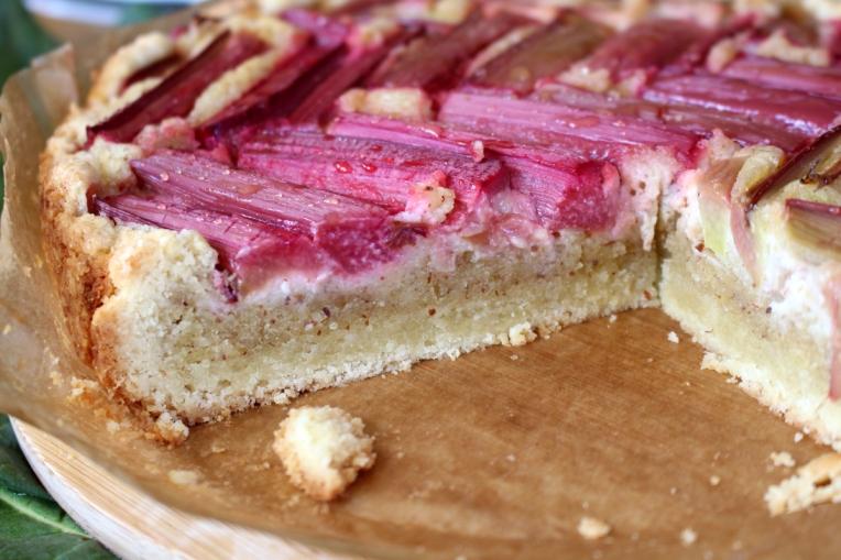 Rhabarberkuchen-mit-Mandelfrangipane16