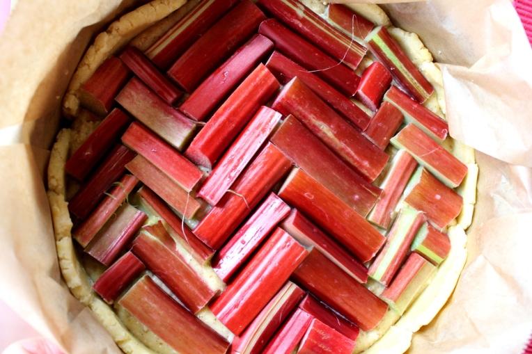 Rhabarberkuchen-mit-Mandelfrangipane6