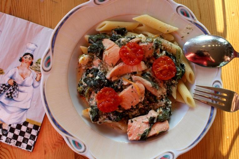 Lachs-Spinat-Ricotta-mitKirschtomaten-Pasta07