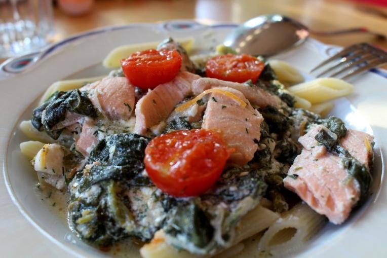 Lachs-Spinat-Ricotta-mitKirschtomaten-Pasta08