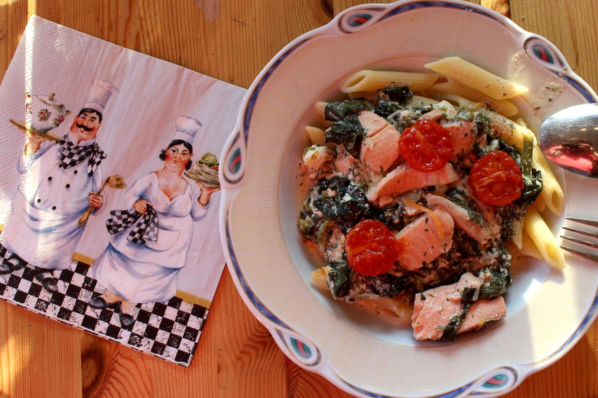 Lachs-Spinat-Ricotta-mitKirschtomaten-Pasta09