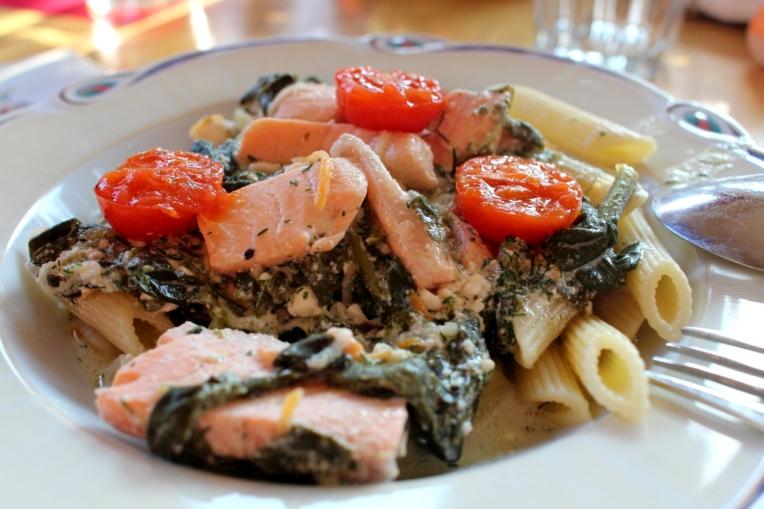 Lachs-Spinat-Ricotta-mitKirschtomaten-Pasta11