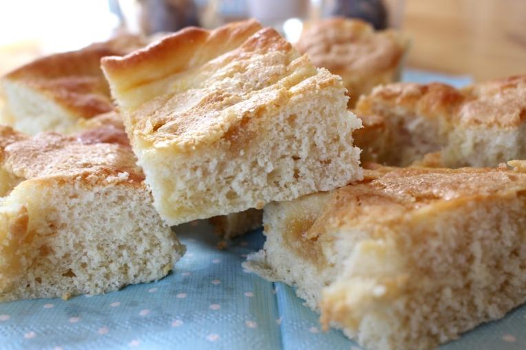 Hefe-Butter-Zuckerkuchen24