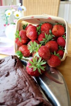veganer-Brownie-Erdbeerkuchen04