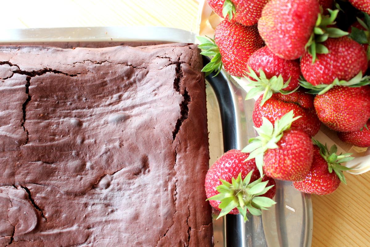 veganer-Brownie-Erdbeerkuchen05