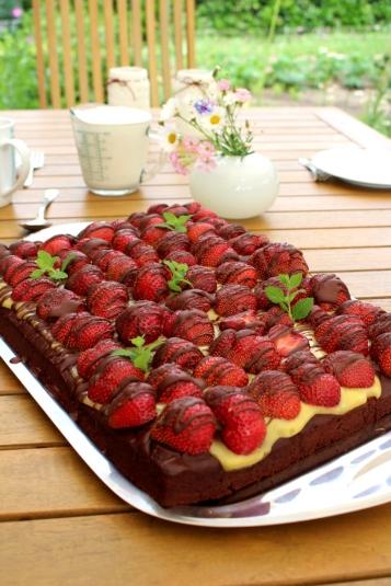 veganer-Brownie-Erdbeerkuchen08