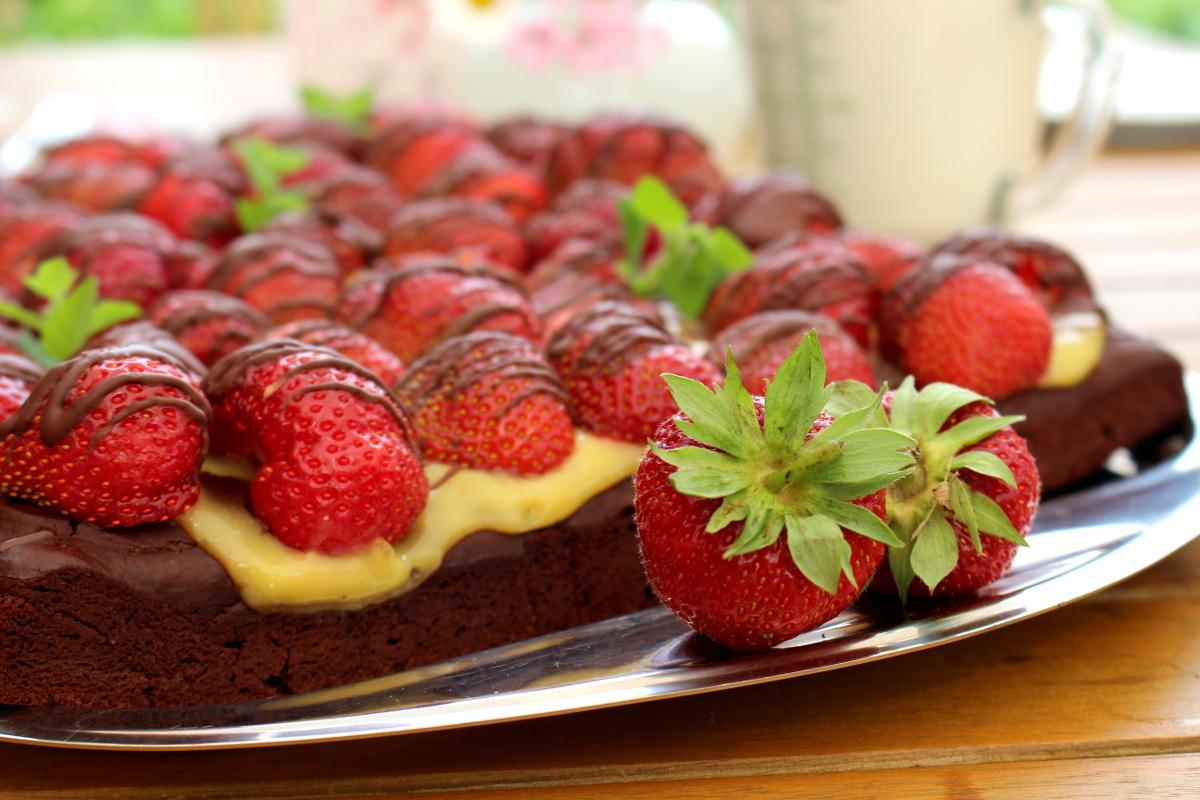 veganer-Brownie-Erdbeerkuchen15