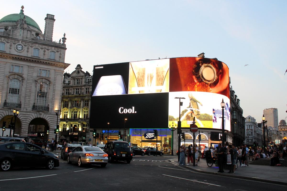 London_4Klassiker_PicaddillyCircus01