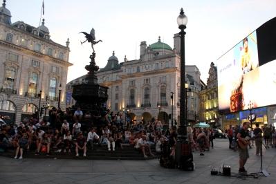 London_4Klassiker_PicaddillyCircus03
