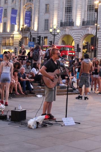London_4Klassiker_PicaddillyCircus04