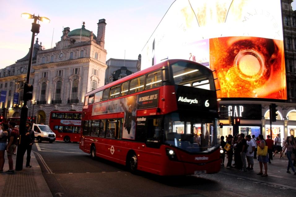 London_4Klassiker_PicaddillyCircus05