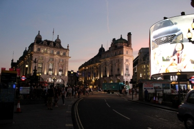 London_4Klassiker_PicaddillyCircus06