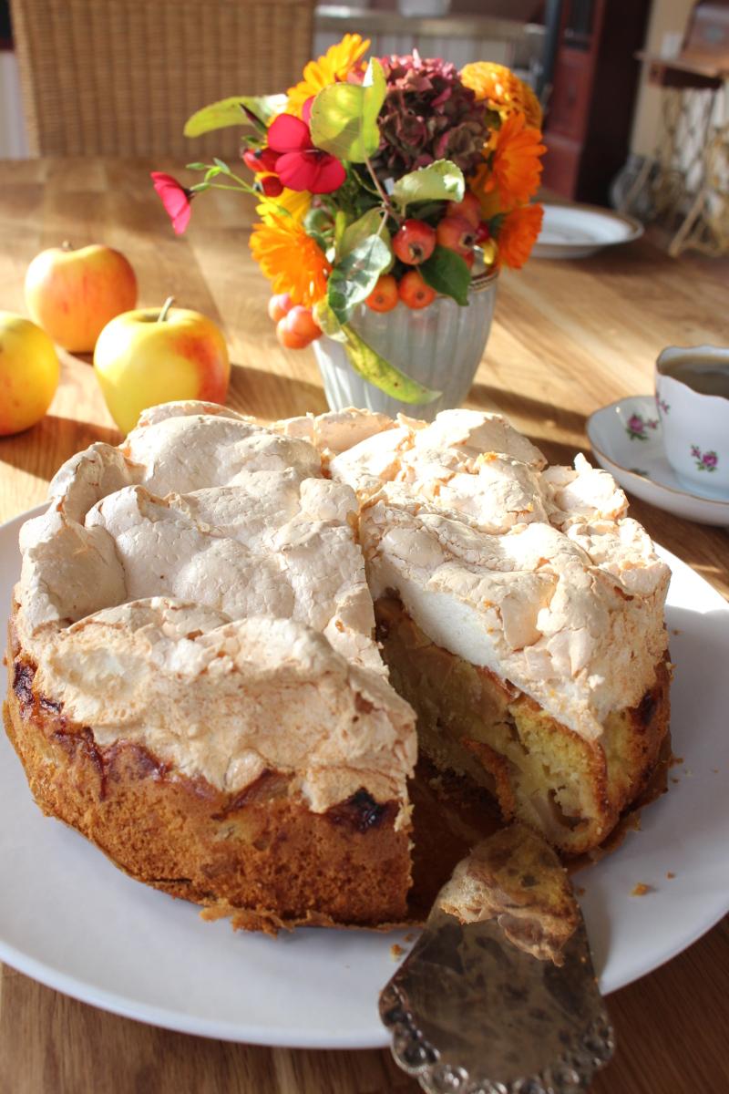 Apfel Baiser Kuchen Ein Herbstliches Vergnugen Undiversell