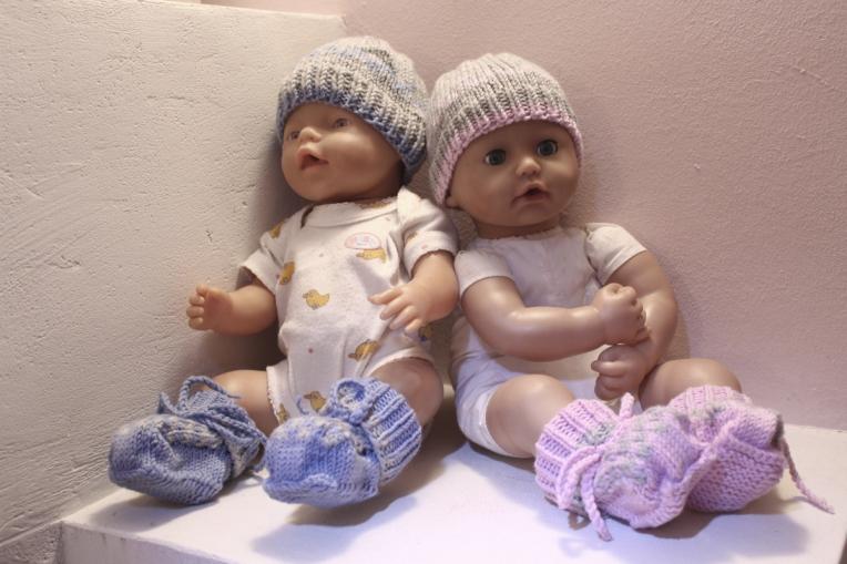 Baby-Mützchen-und-schühchen-gestrickt15