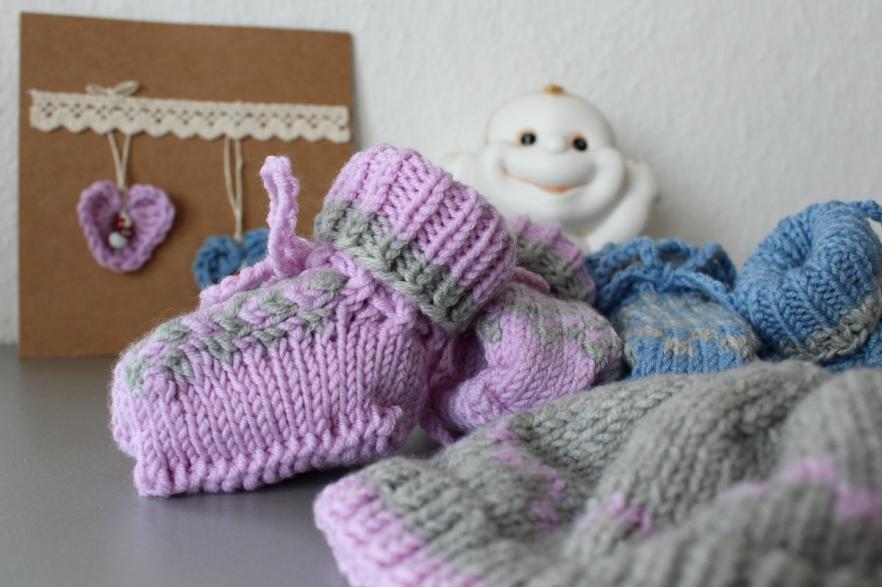 Baby-Mützchen-und-schühchen-gestrickt23