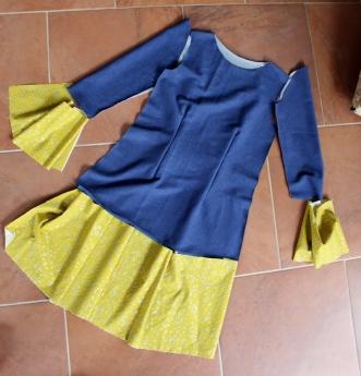 Kleid-selbstgenäht-mit-Rüschen-und-Knopfleiste-Mabinta01