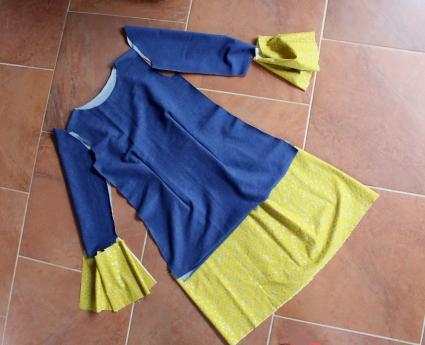 Kleid-selbstgenäht-mit-Rüschen-und-Knopfleiste-Mabinta02