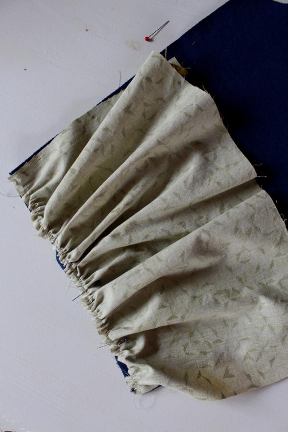 Kleid-selbstgenäht-mit-Rüschen-und-Knopfleiste-Mabinta04