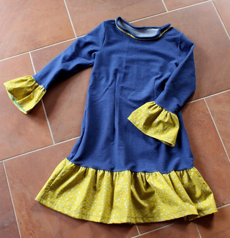 Kleid-selbstgenäht-mit-Rüschen-und-Knopfleiste-Mabinta05