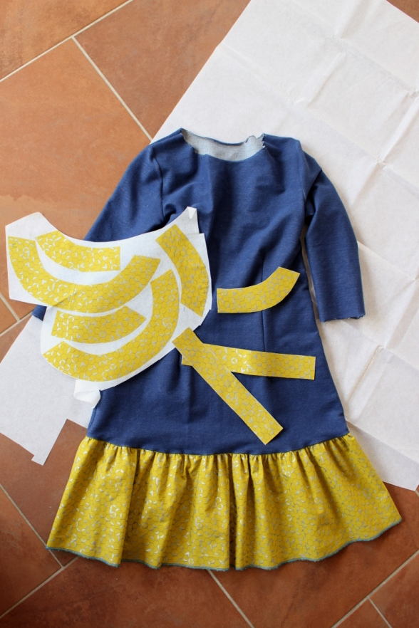 Kleid-selbstgenäht-mit-Rüschen-und-Knopfleiste-Mabinta06