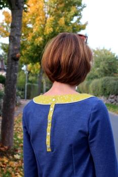 Kleid-selbstgenäht-mit-Rüschen-und-Knopfleiste-Mabinta17