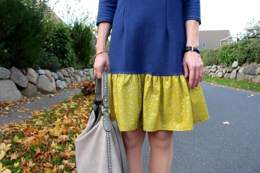 Kleid-selbstgenäht-mit-Rüschen-und-Knopfleiste-Mabinta18
