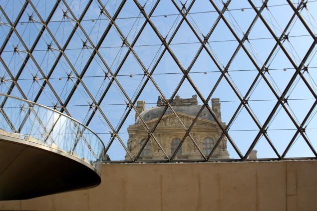 5_Paris_Louvre_MonaLisa03