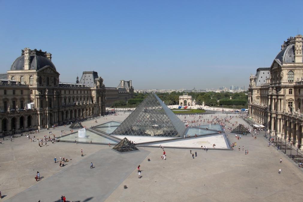 5_Paris_Louvre_MonaLisa10