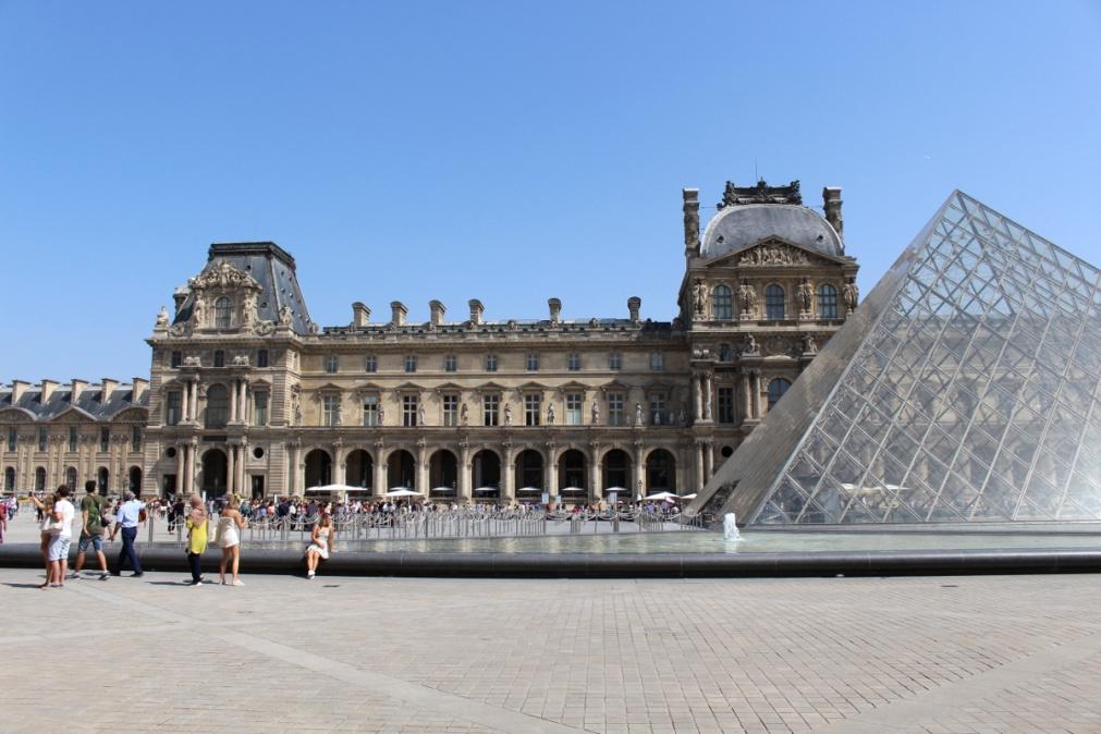5_Paris_Louvre_MonaLisa11