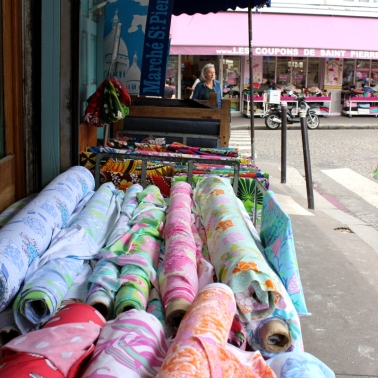 Stoffkauf_in_Montmatre_Paris21