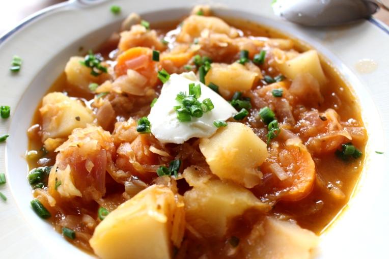 Kartoffel-Sauerkraut-Gulasch-vegetarisch08