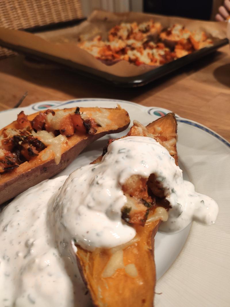 gefüllte_Süßkartoffel_vegan_mit Kräuterjoghurt09