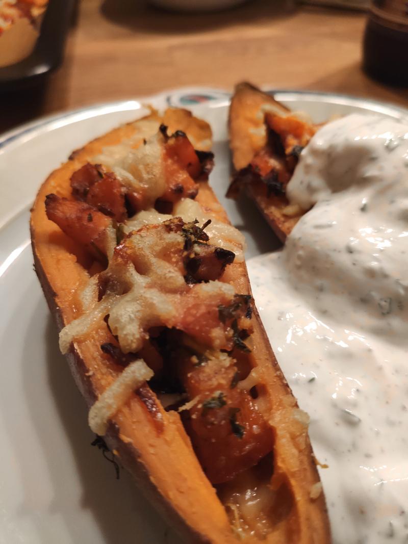 gefüllte_Süßkartoffel_vegan_mit Kräuterjoghurt11