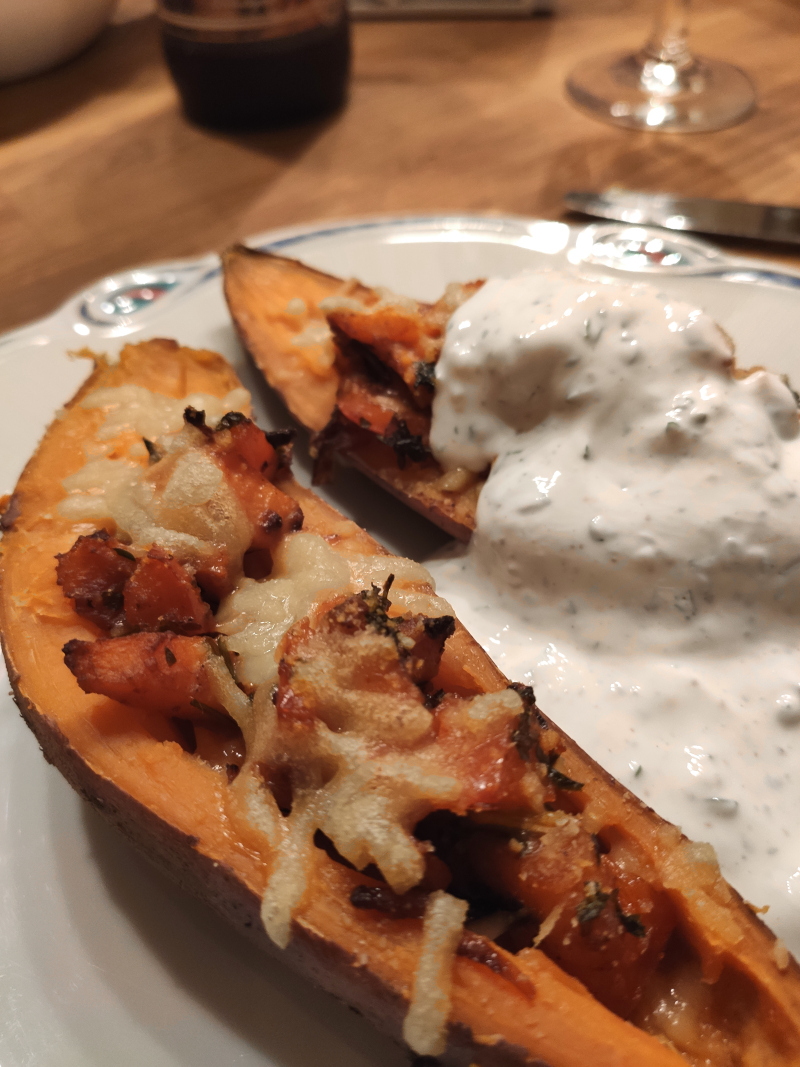 gefüllte_Süßkartoffel_vegan_mit Kräuterjoghurt12