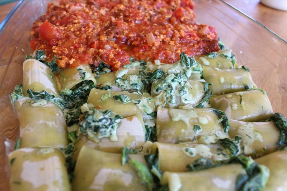 Canelloni_mit_Spinat_gefüllt_in_Tomatensauce_mit_Tofu09